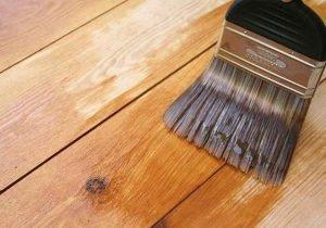 Особенности покраски древесины
