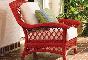 Покраска мебели из древесины ротанга